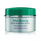 Crema protettiva giorno Spf 20 | Trattamento idratante 50 ml | SOMATOLINE COSMETIC Vital Beauty